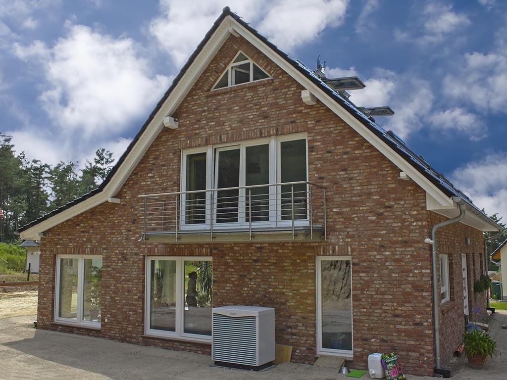 Einfamilienhaus mit photovoltaikanlage bauen mit marco for Einfamilienhaus berlin